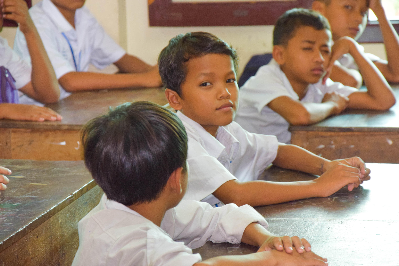 Portrait d'un élève du programme de cours de rattrapage en classe