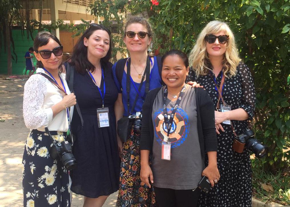Les ambassadrices au centre PSE avec staff cambodgien