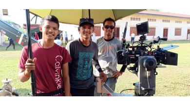 Les trois élèves en stage sur le tournage du film Onoda, 10 000 nuits dans la jungle