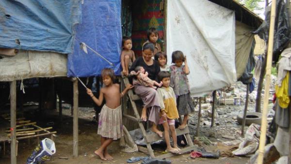 Une famille dans une zone de grande pauvreté