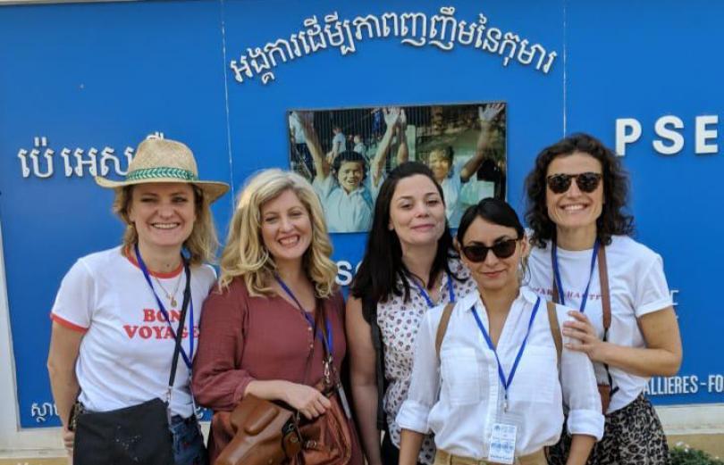 Les ambassadrices de PSE visitent le centre à Phnom-Penh