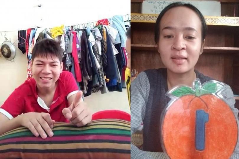 Un enfant porteur de handicap en visio avec son éducatrice fait un exercice
