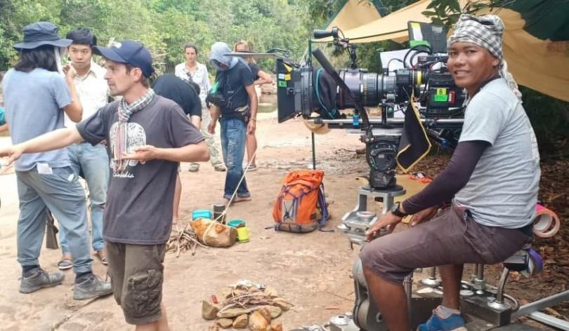 Daing Keo, professeur à PSE, sur le tournage du film Onoda, 10000 nuits dans la jungle