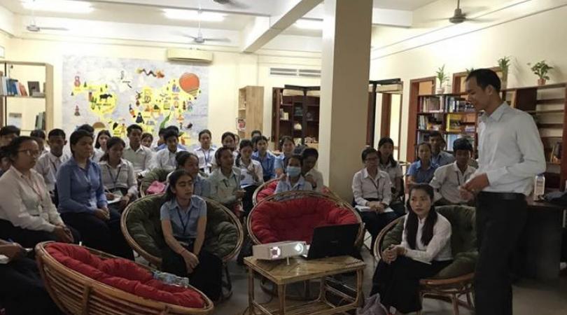 Les étudiants en conférence à l'Open Space
