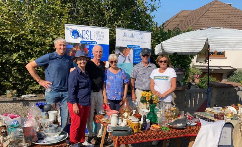 L'équipe souriante de PSE Alsace-Lorraine aux Puces de Boersch