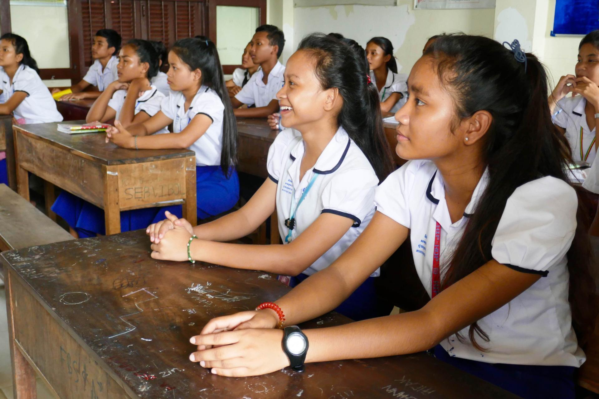 Portrait de deux étudiantes du programme de cours de rattrapage en cours